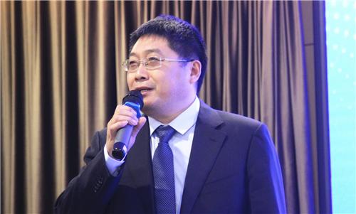 漆谷集团董事长王鹏先生作主题演讲